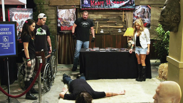 Kane Hodder and the cast of Holliston