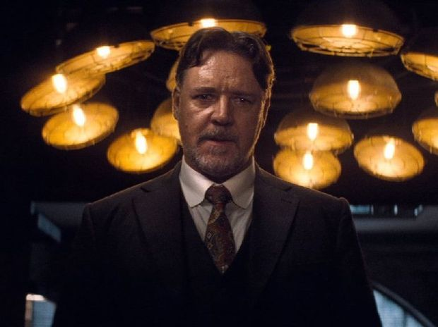 Dr. Henry Jekyll (Russell Crowe) in The Mummy (2017)